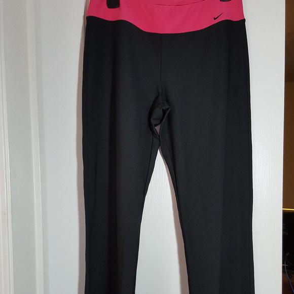 a15ed7d3549a8 Nike Pants   Activewear Size M 810   Poshmark